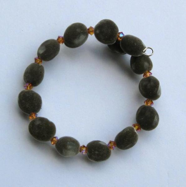 Hawaiian mgambo seed and topaz 2AB Swarovski crystal bracelet - handmade in Hilo