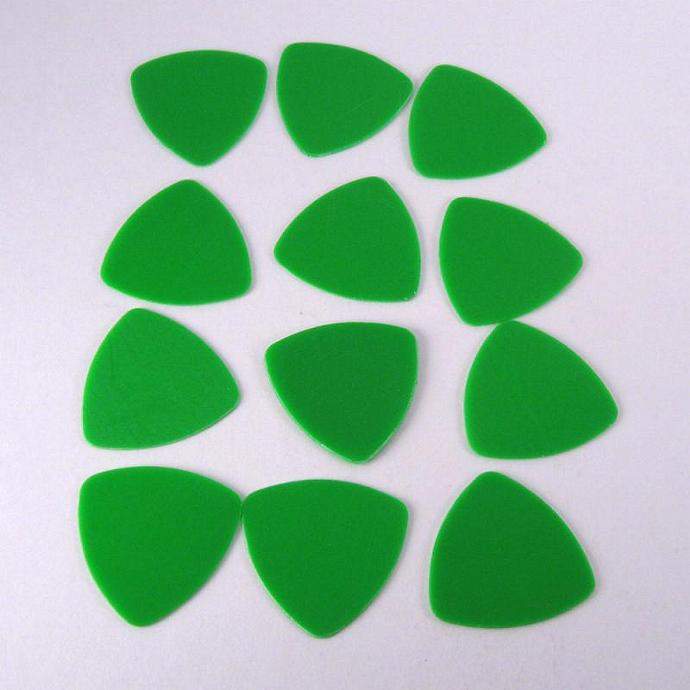 Green 346 Rounded Triangle Guitar Picks
