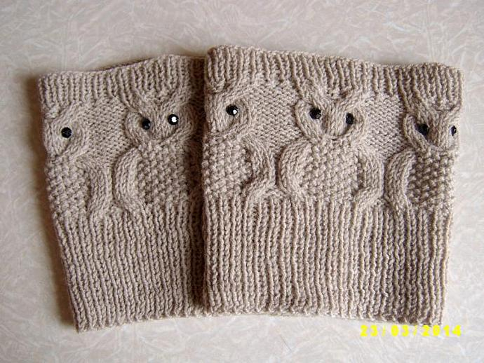 Owl boot cuffs with black pastes. Knitted boot cuffs.