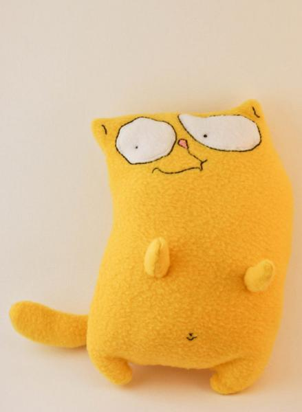 Curious cat, fleece toy