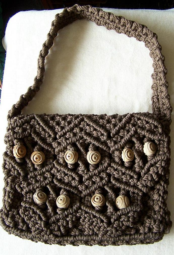 Macrame purse, brown with olivewood beads, shoulder purse, gift for women, gift