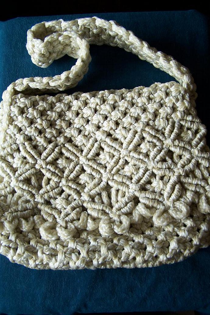 Macrame purse, shoulder purse, natural/white blended yarn purse, ladies