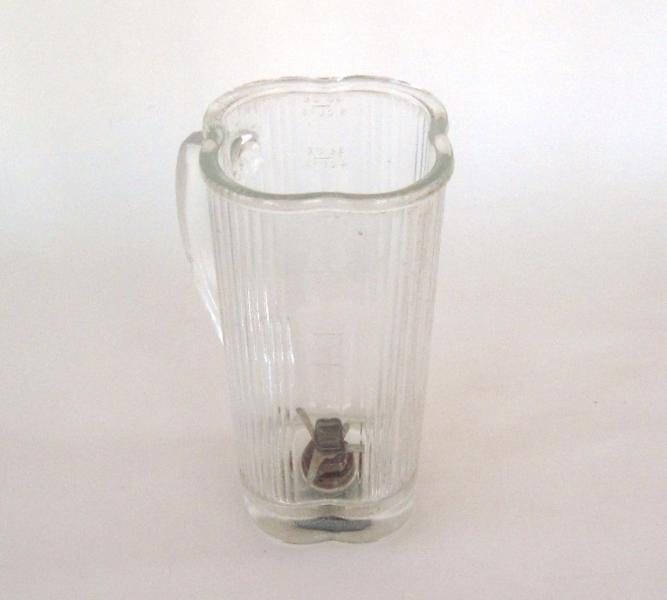 Vintage Waring Blender Jar Replacement Part glass cloverleaf (as-is, see
