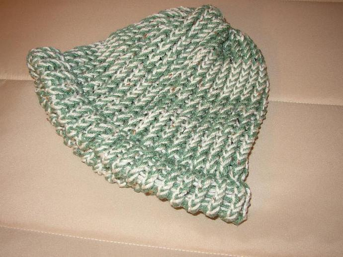 knitted hat green and ivory