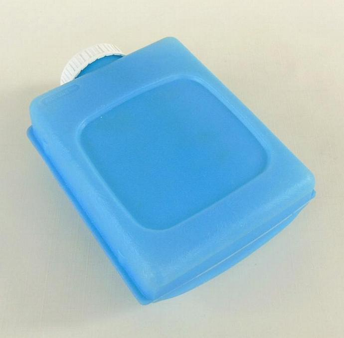 Igloo Little Playmate Cooler Freezer Bottle Water Canteen Refreeze - Vintage