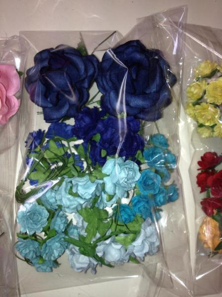 MIXED ROSES / FLOWERS blue