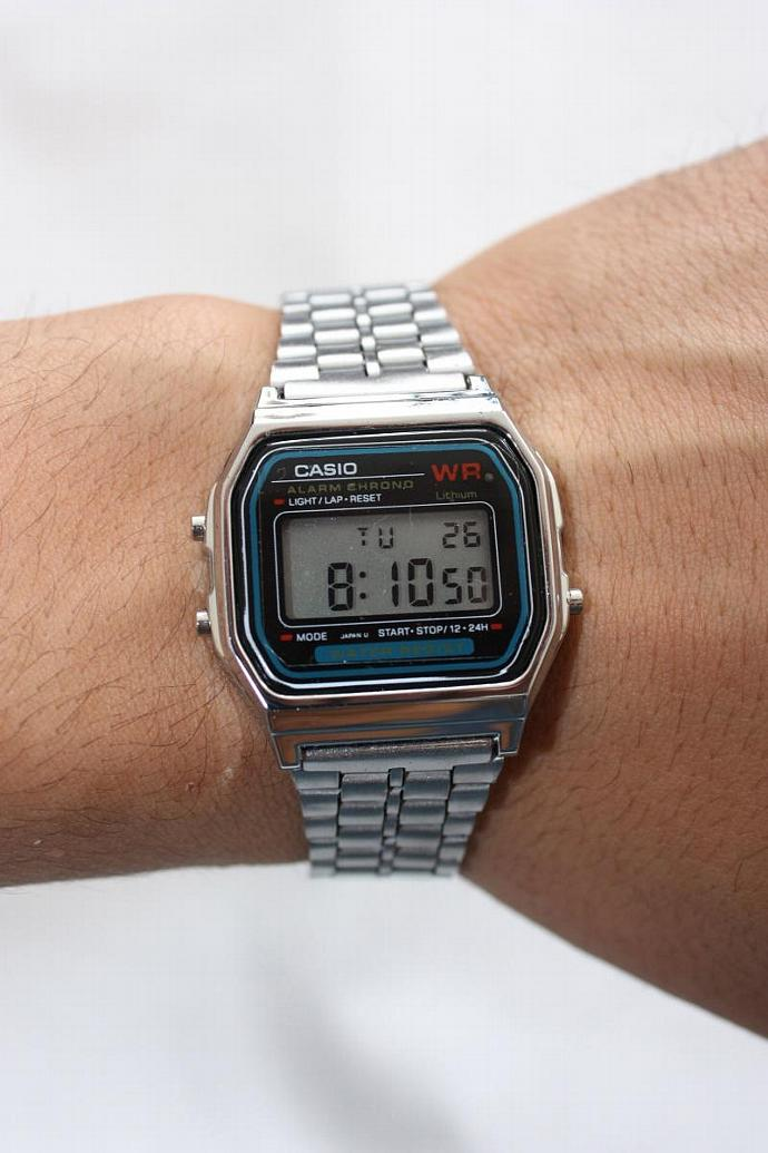 a2cc2a50358e Sliver Retro Casio Vintage Style Black Face Metal Band Digital A-159W Watch