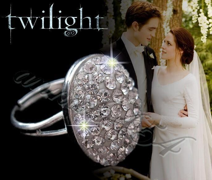 Twilight Eclipse   Bella Swan, Edward Engagement Ring   With Swarovski  Crystals