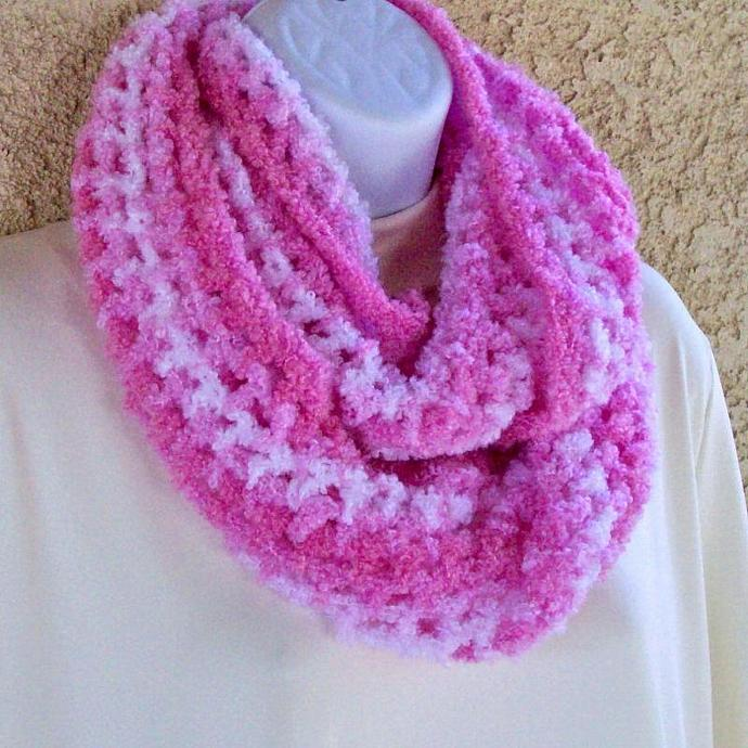 Infinity Moebius Scarf Spiral Crocheted In Pink And White Boucle Yarn