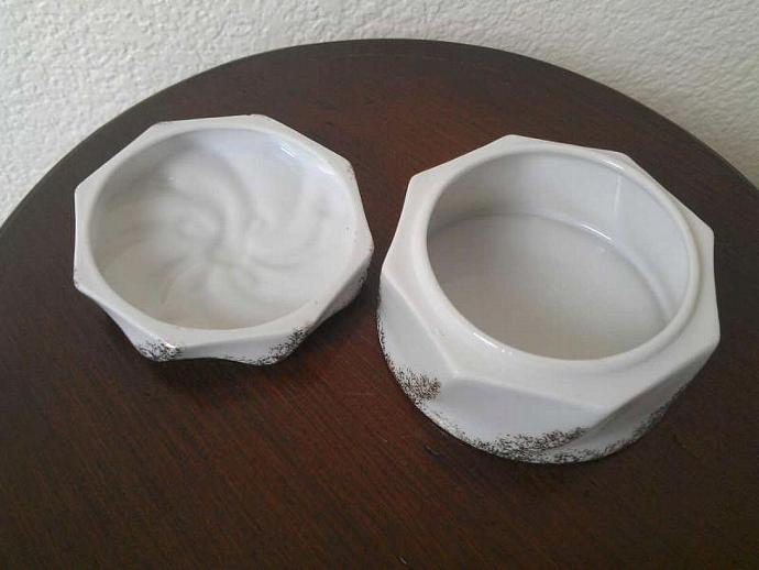 Vintage 1950s Spiral Trinket Box Dish with Lid