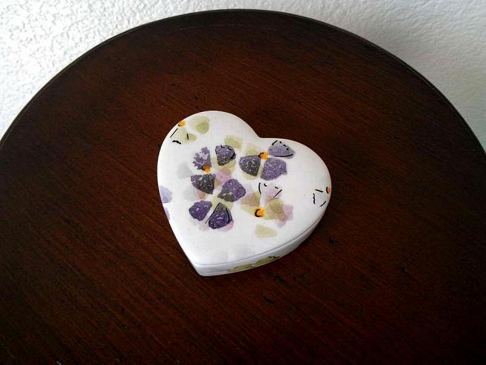 Vintage Pereiras Porcelain Heart Trinket Box with Violets