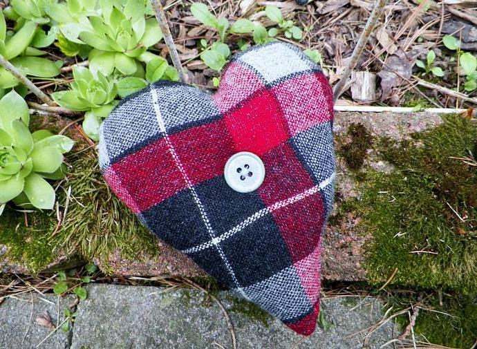 Plaid Prim Heart