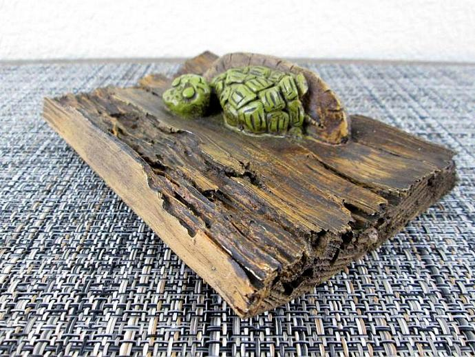 Vintage 1970s Green Turtle on a Log Wall Plaque