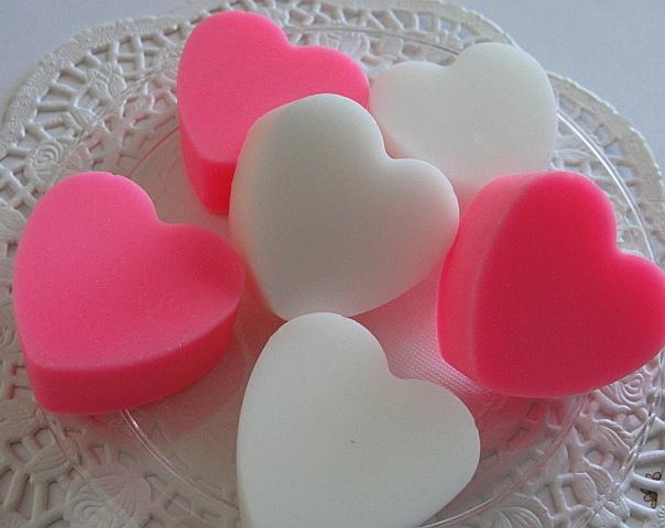 Spicy HOT Pink HEARTS -- Pinks n Whites--Six--7-2 oz-Handmade -Peppermint n
