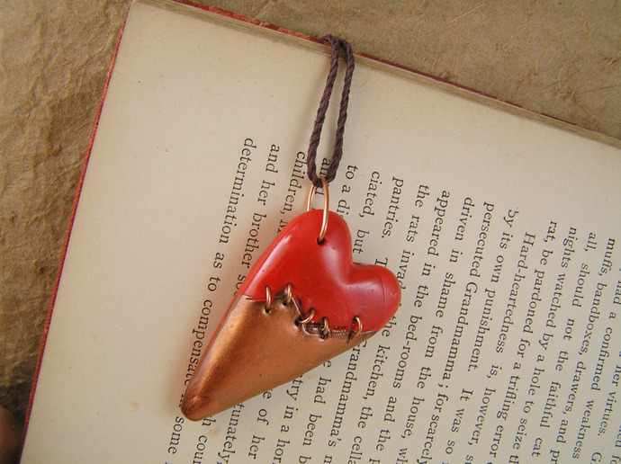 Steampunk broken heart pendant in red and copper