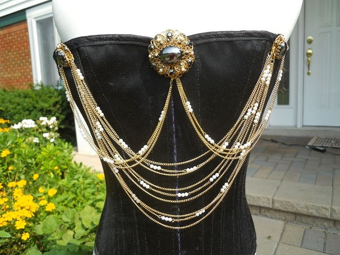 Jet and Pearl Bodice Jewelry with Necklace