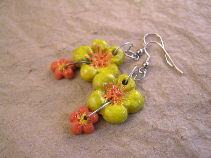 Daisy flower clay earrings with your custom color choices