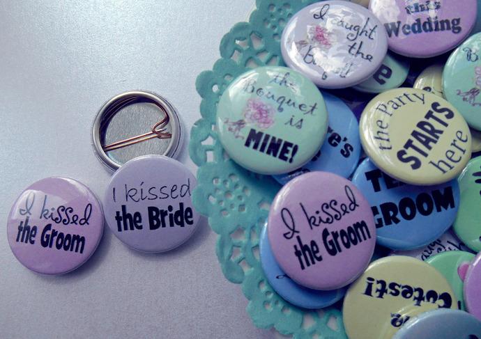 "1"" Pastel Wedding Party Favour Set of 50 Badges"