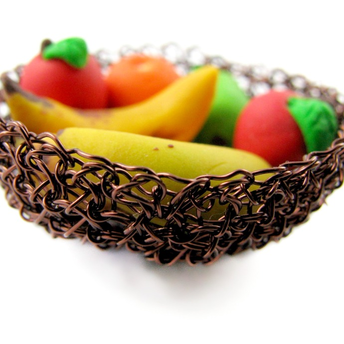 Small wire crochet bowl with polymer clay fruit