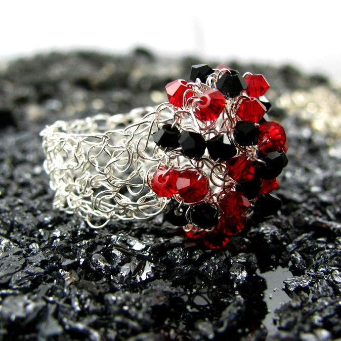Silver wire crochet with black and red Swarovski dome ring - Magma
