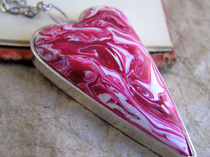 Pink  swirl Valentine Heart pendant with silvertone chain