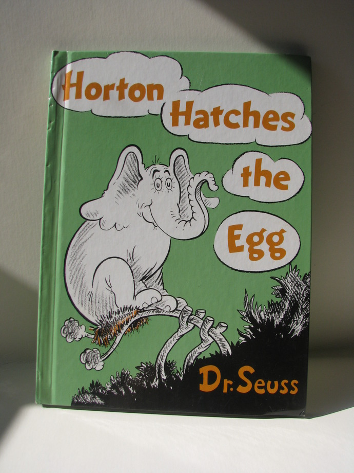 Vintage Horton Hatches the Egg book 1968 - Dr Seuss Book
