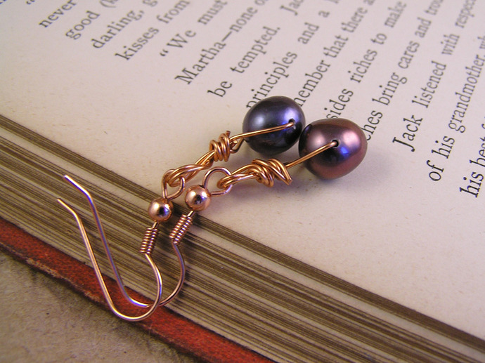 Copper and jet freshwater pearl earrings