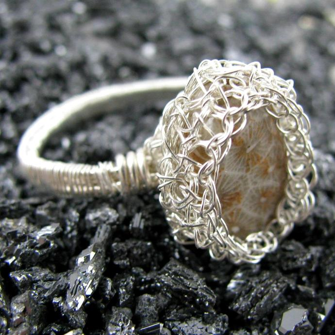 Fine and sterling silver wire crochet ring with fossilized coral - Honeycomb