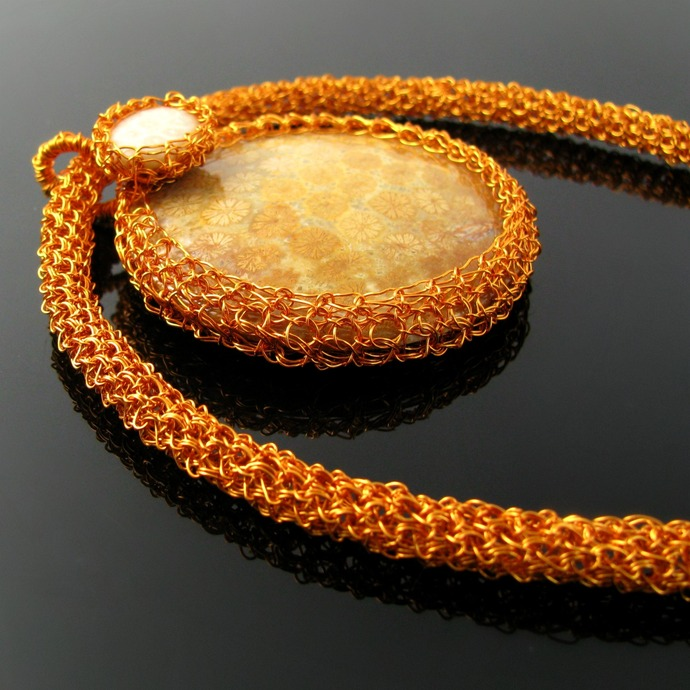 Orange wire crochet collier with fossilized corals - Field of flowers