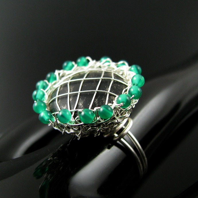 Silver wire crochet black agate and green onyx ring - Grape pie