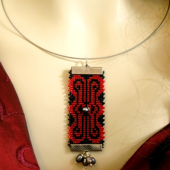 Red and black seed bead loomed pendant with pearls on neckwire