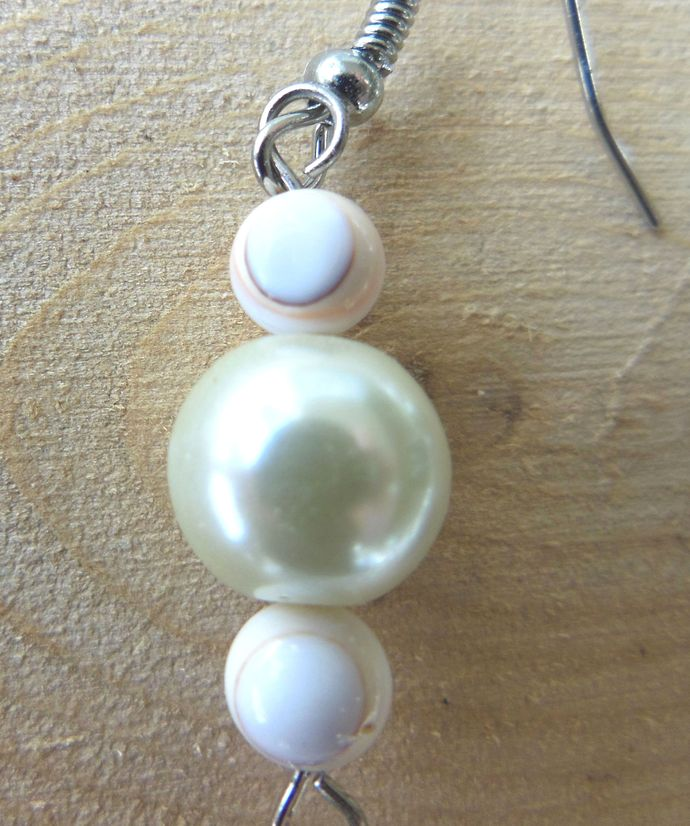 Handmade Creamy White Iridescent Tooth-Shaped Shell and Triple Glass Pearl