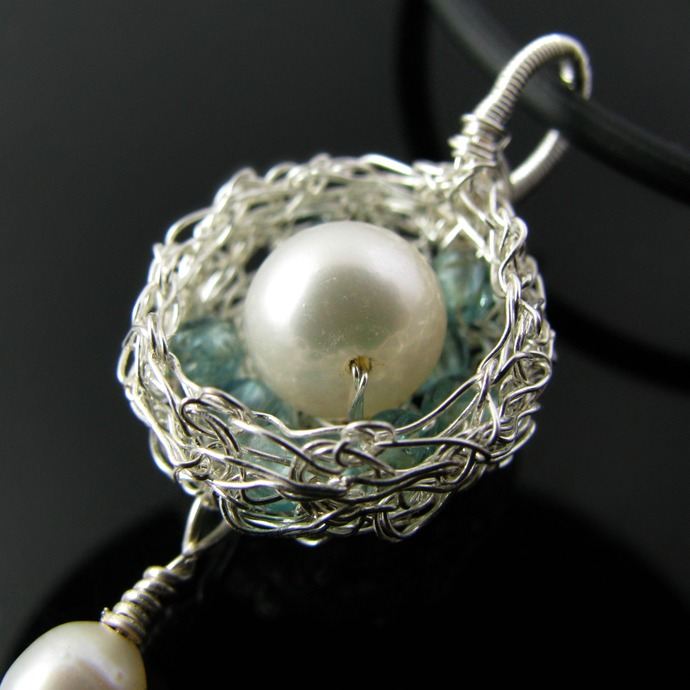 Fine silver wire crochet pendant with apatites and pearls