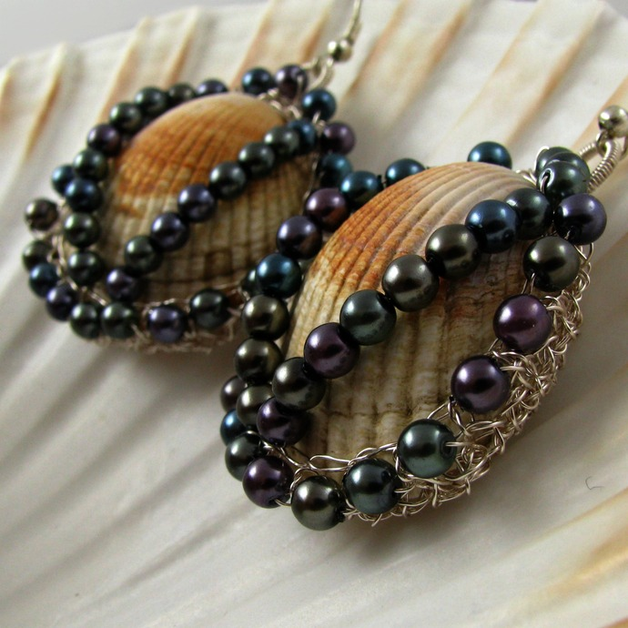Wire crochet shell earrings with peacock glass pearls