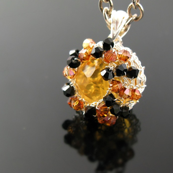Fine silver wire crochet beer quartz pendant with crystals