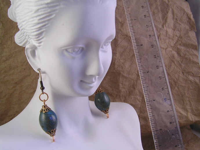 Blue ceramic earrings with copper details