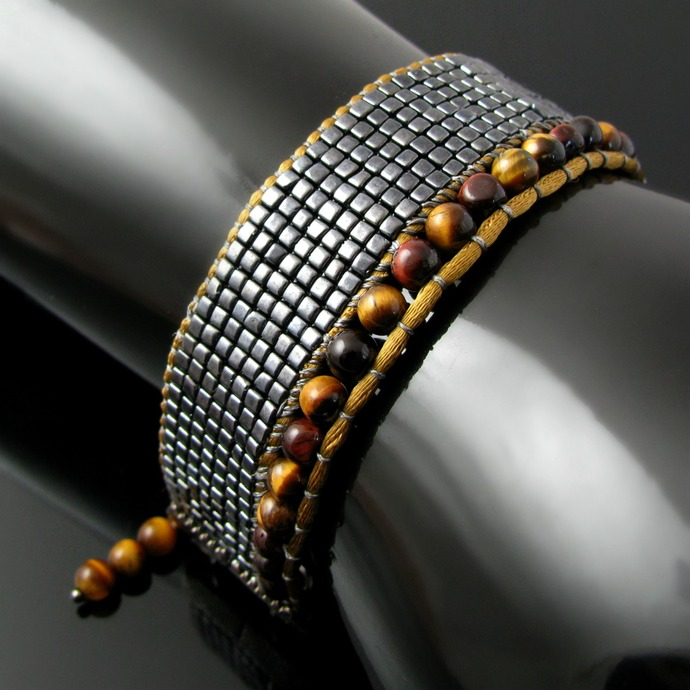 Bead loomed cube bracelet with tiger eye beads