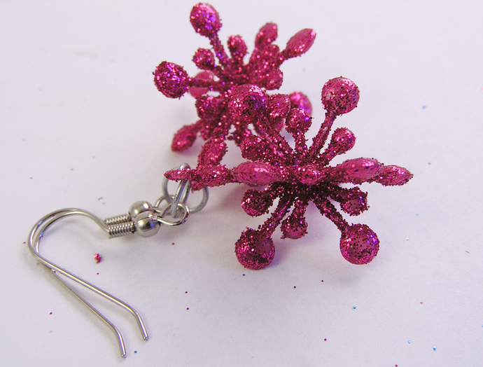Pink Christmas holiday star earrings