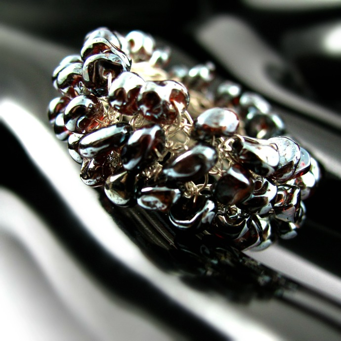 Fine silver wire crochet garnet nugget ring - Blood drops