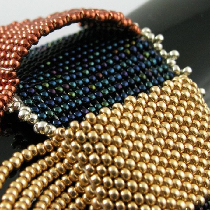Bead loomed cuff - Loops and fringe