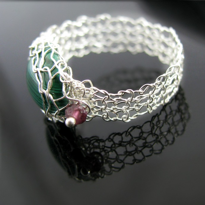 Fine silver wire knit ring with malachite and garnets