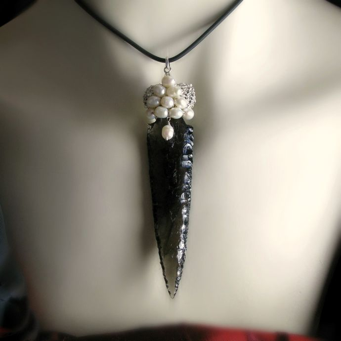 Silver wire crochet and arrow head pendant with pearls