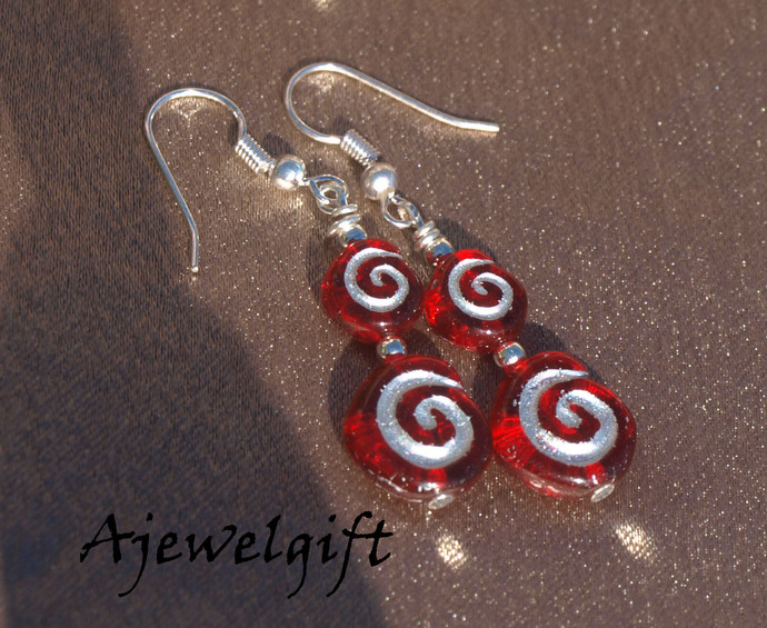 Festive red Swirls 13070