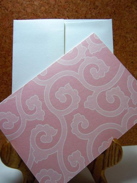 Pink scroll patterned Set of 8 blank flat note cards