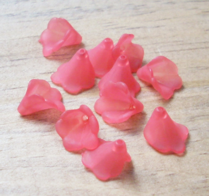 Lucite Flower Beads, Tiny Ruffle, Matte Red, 20