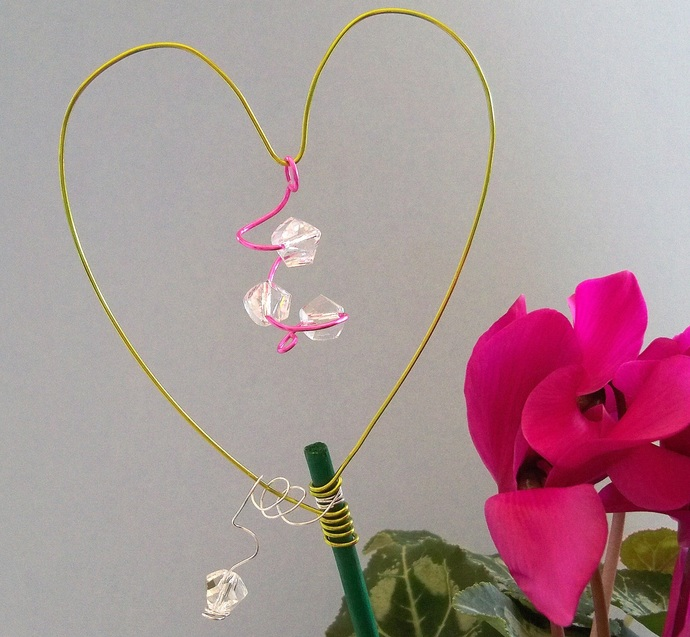 Love Your Plant Stakes Peridot Green and Pink Decoration