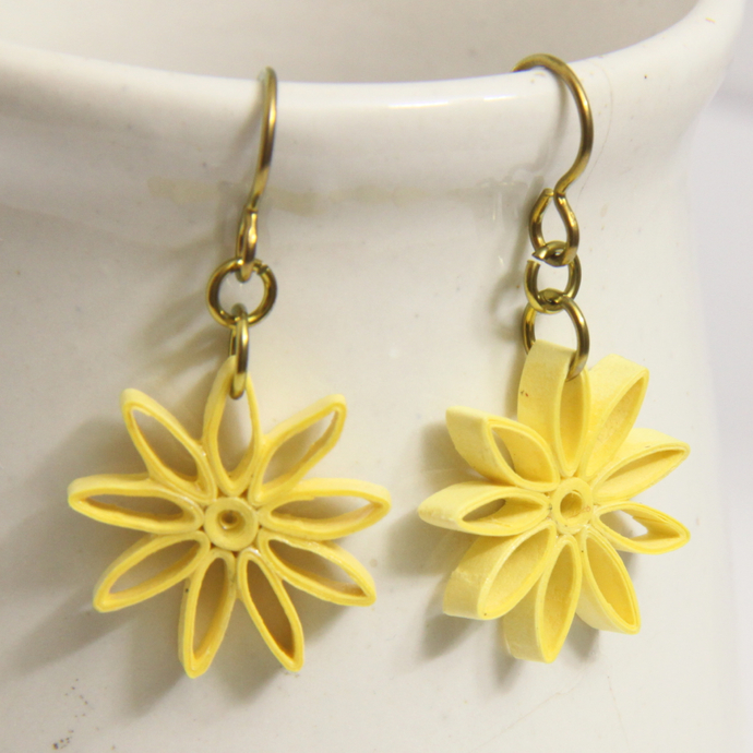 Yellow Star Earrings Nine Pointed Paper bridesmaid gift with Niobium Earring