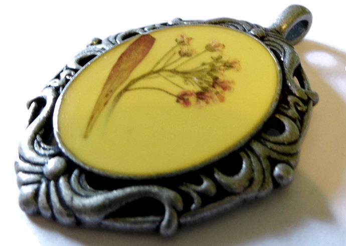 Pressed Flower Resin Pendant