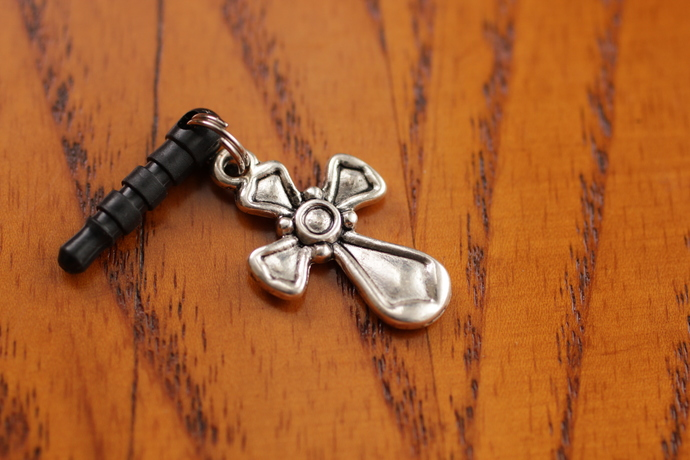 Cell phone charm with rounded silver cross