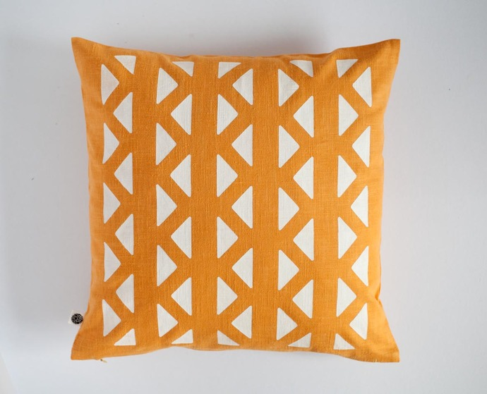 Chevron print on yellow linen pillow cover - white decorative geometrical zigzag